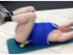 Подтягивание ног с верхнего блока, на развитие нижней части спины
