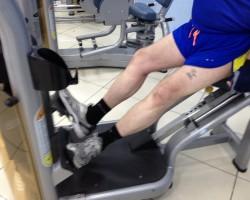 Подъем на носки — ступни в стороны, на развитие икроножных мышц
