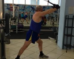 Разгибание рук из-за головы, на развитие мышц рук (трицепс)