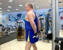 Разгибание рук за спиной, на развитие мышц рук (трицепс)