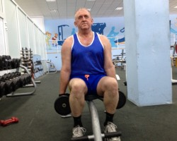 Шраги, сидя — исходное, на укрепление и развитие плеч