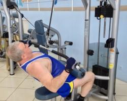 Вертикальная тяга — большой вес, на развитие верхней части спины