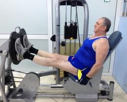 Жим ногами, на развитие мышц ног